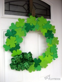 DIY-Dollar-Store-Shamrock-Wreath