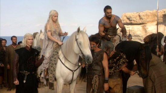 Drogo-and-Daenerys-with-Dothraki-khal-drogo-30463558-1280-720