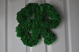 St-Patricks-Day-Shamrock-Decorations-Ideas-for-Home-Office-School-8