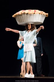 Easter-Bonnet-Competition-2017-Waitress-photo-by-Monica-Simoes-0754