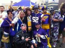 amy-koch-viking-fans