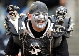Crazy-NFL-Raiders-Fan