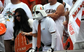 miami-hurricanes-fan-darth-vader-mask-op3z-91798-mid