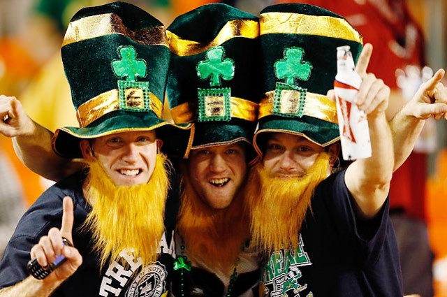Notre-Dame-Fighting-Irish-fans-NCAA-Football-640x425