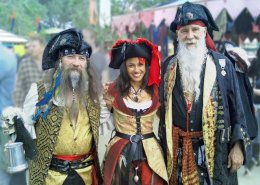 ren-faire-pirates-5