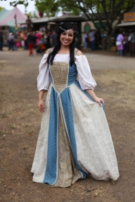 renaissance-fair-ideas-renaissance-faire-outfit-loveniki-wedding-art-photos