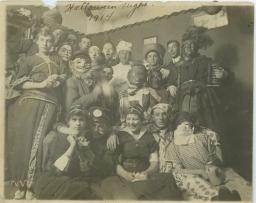 1.-MSS_577_B001_F013_I0i012-Halloween-1914
