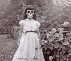 947e180a78cf67da32a107785603df2f-creepy-halloween-halloween-costumes