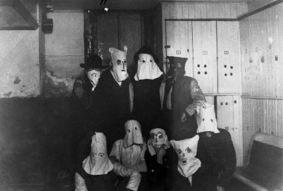 creepy-vintage-halloween-costumes-bags