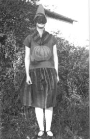 girl-in-a-halloween-costume-in-1928-ontario-canada-414x640