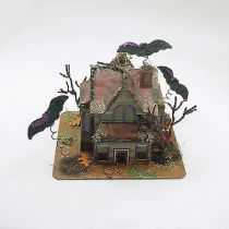 Halloween-Decoration-Mica-Putz-Haunted-House