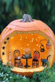 halloween-pumpkin-carving-ideas-room-diorama-spiders-334x500