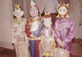 Vintage-Halloween-Costume1-630x435