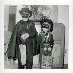 zorro-lone-ranger-1950s-halloween-costumes