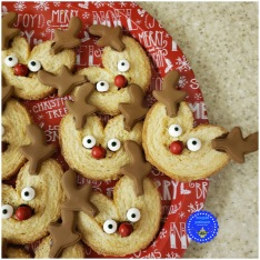 10-quick-christmas-treats-palmiers-rudolph-done-hooplapalooza