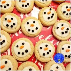 17-quick-christmas-treats-thumbprint-cookies-decorated-hooplapalooza