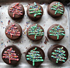 Chocolate-Covered-Oreos-from-The-Monday-Box