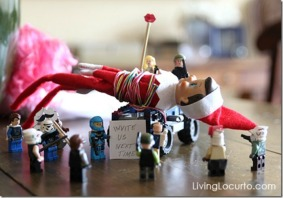 Elf-Shelf-Lego-Ambush_thumb3