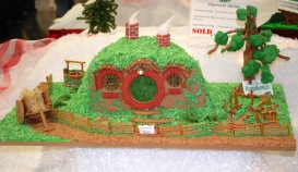 bag end gingerbread house-sm