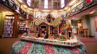 concord-library-gingerbread-house