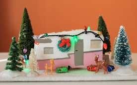Mini-christmas-travel-trailer2