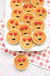 3-emoji-pancakes-cute-breakfast1