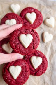 red-velvet-sugar-cookies-recipe-4-1-e1515787873274
