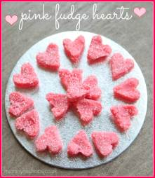 Valentines-Treats-Pink-Fudge-Hearts