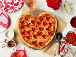 VpYCAyQQw2c3LFvutQsZ_Final20120-20Heart20Shaped20Pizza