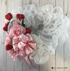 deco-mesh-heart-wreath-finished