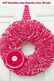 DIY-Valentines-Day-Cupcake-Liner-Wreath