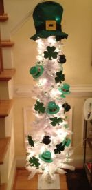 59932e02532a33db2ea8a1626e213f4d--st-patricks-day-decor-dollar-store-dollar-store-easter-decorations