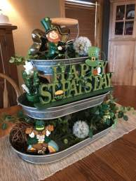 Easy-3-Tier-tray-for-St.-Patricks-Day-DIY