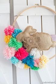 Easy-Pom-Pom-Bunny-Wreath-1