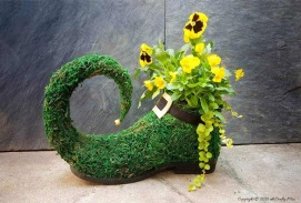 st-patricks-day-crafts-adults-roundup-acraftymix-lucky-leprechaun-shoe-planter-dreamalittlebigger