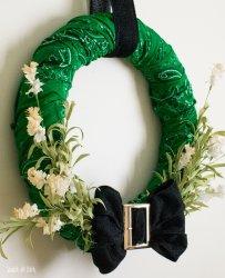 stpatricks-day-bandana-wreath-scratchandstitch