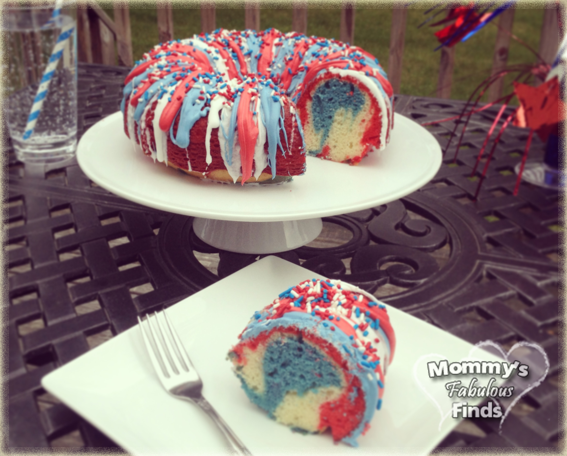firecracker-red-white-and-blue-cake